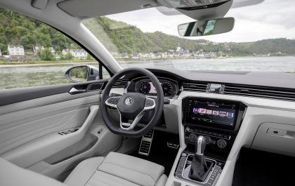 2020 Volkswagen Passat Alltrack 36