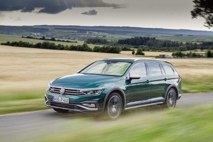 2020 Volkswagen Passat Alltrack 92