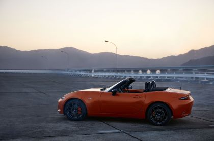 2019 Mazda MX-5 30th Anniversary Edition 2