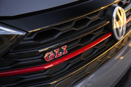 2019 Volkswagen Jetta GLI 17