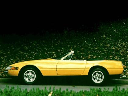 1971 Ferrari 365 GTB-4 spider 4
