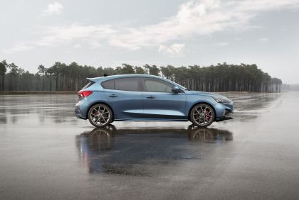 2020 Ford Focus ST 2