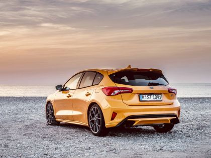 2020 Ford Focus ST 41