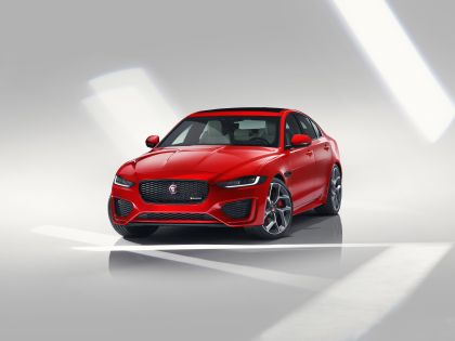 2020 Jaguar XE 5