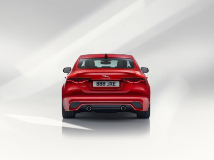 2020 Jaguar XE 7