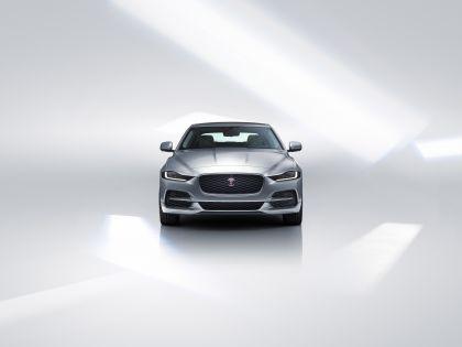 2020 Jaguar XE 13