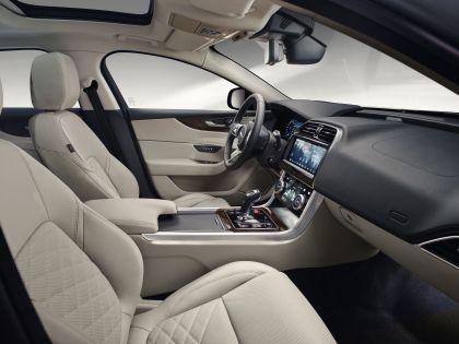 2020 Jaguar XE 18
