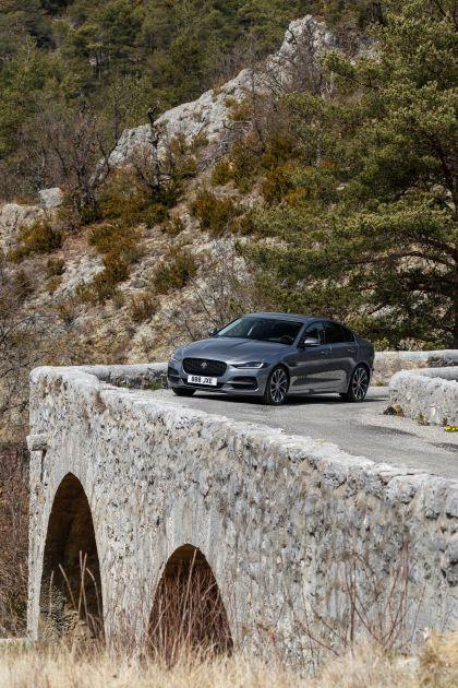 2020 Jaguar XE 102