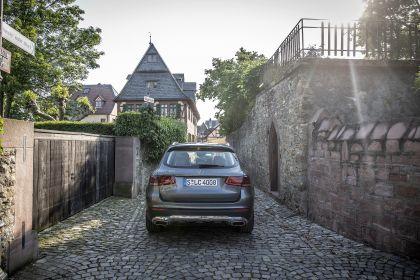 2020 Mercedes-Benz GLC 300 4Matic 77