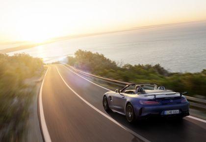 2019 Mercedes-AMG GT R roadster 2