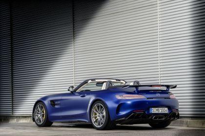 2019 Mercedes-AMG GT R roadster 14