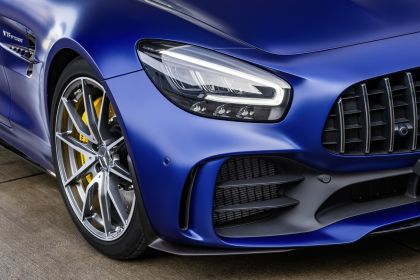 2019 Mercedes-AMG GT R roadster 22