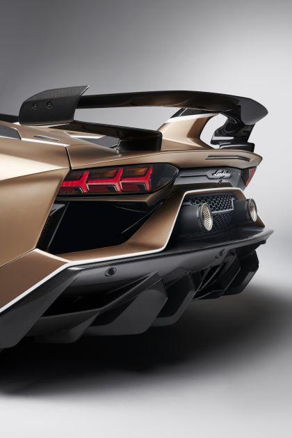 2019 Lamborghini Aventador SVJ roadster 13