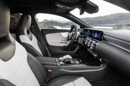 2019 Mercedes-Benz CLA Shooting Brake 38