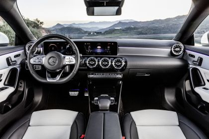 2019 Mercedes-Benz CLA Shooting Brake 39