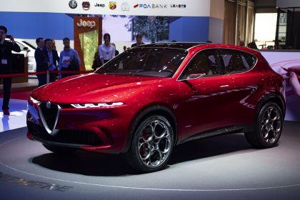 2019 Alfa Romeo Tonale concept 36