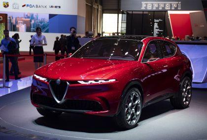 2019 Alfa Romeo Tonale concept 37