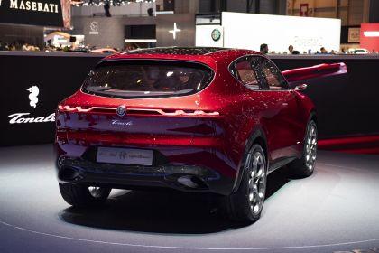 2019 Alfa Romeo Tonale concept 38