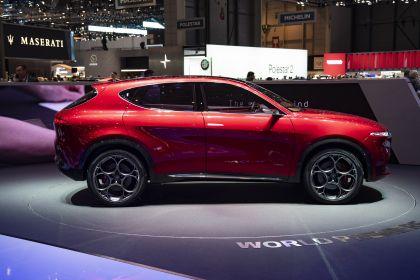 2019 Alfa Romeo Tonale concept 39