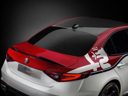 2019 Alfa Romeo Giulia Quadrifoglio Alfa Romeo Racing 10