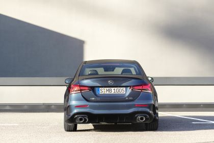 2020 Mercedes-AMG A 35 4Matic saloon 12