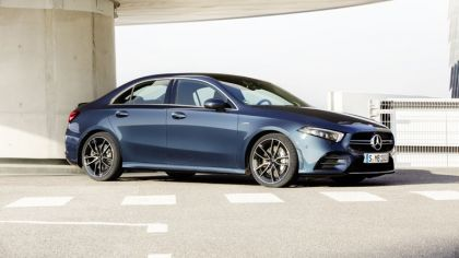 2020 Mercedes-AMG A 35 4Matic saloon 4