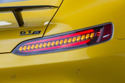 2019 Mercedes-AMG GT S 12