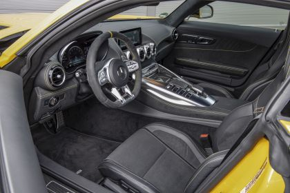 2019 Mercedes-AMG GT S 13