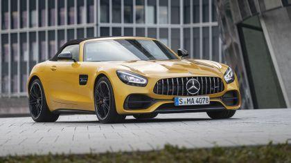 2019 Mercedes-AMG GT S roadster 1