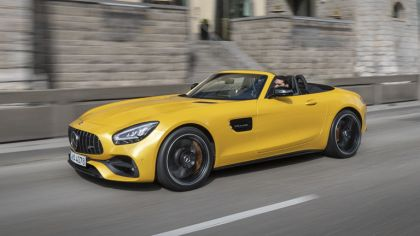 2019 Mercedes-AMG GT S roadster 2