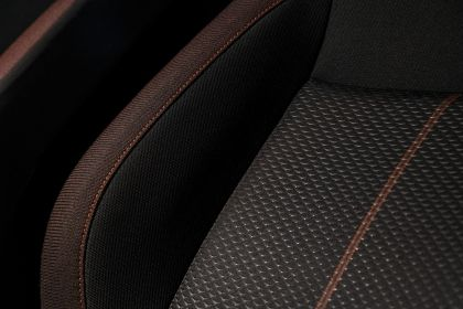 2020 Nissan Versa SR 39