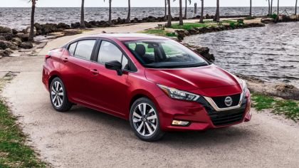 2020 Nissan Versa SR 2