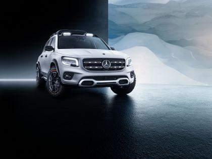 2019 Mercedes-Benz Concept GLB 1