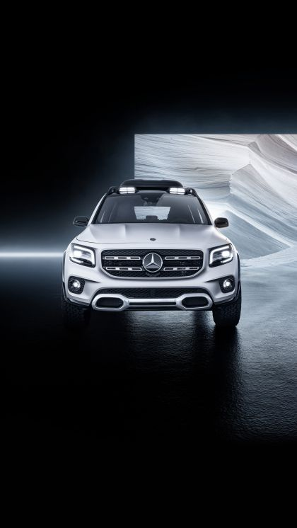 2019 Mercedes-Benz Concept GLB 10