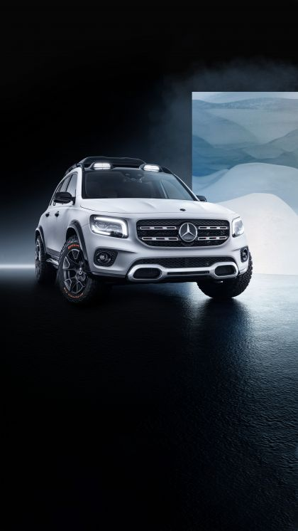2019 Mercedes-Benz Concept GLB 11