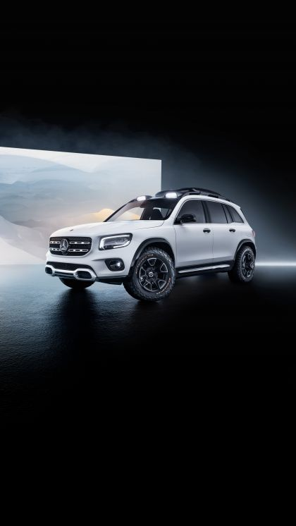 2019 Mercedes-Benz Concept GLB 12