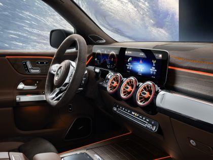 2019 Mercedes-Benz Concept GLB 17
