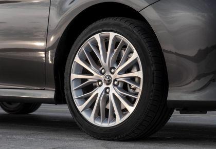 2019 Toyota Camry Hybrid 62
