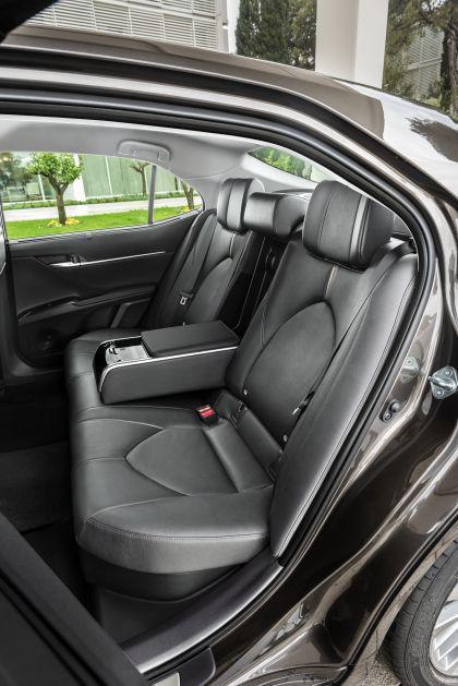 2019 Toyota Camry Hybrid 72