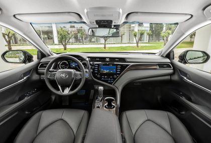 2019 Toyota Camry Hybrid 73
