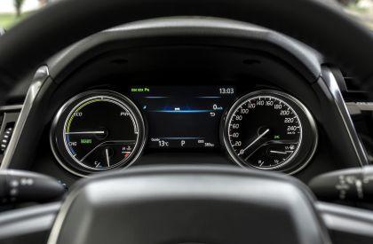 2019 Toyota Camry Hybrid 74