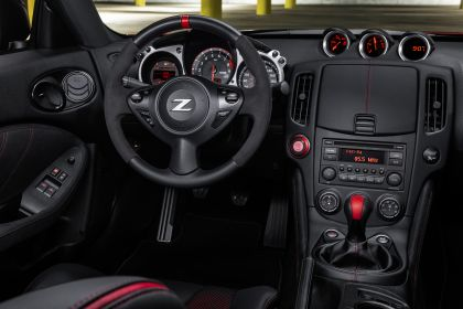 2020 Nissan 370Z 50th Anniversary Edition 18