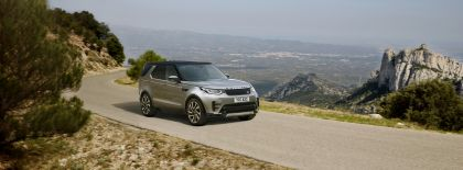2020 Land Rover Discovery Landmark Edition 1