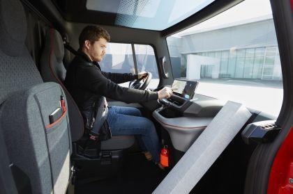 2019 Renault EZ-FLEX concept 5