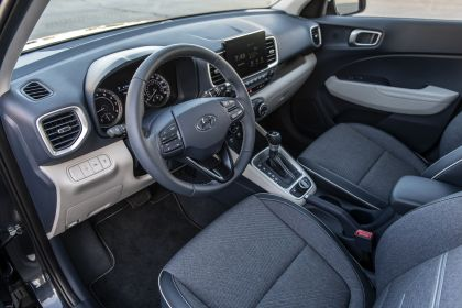 2020 Hyundai Venue 19