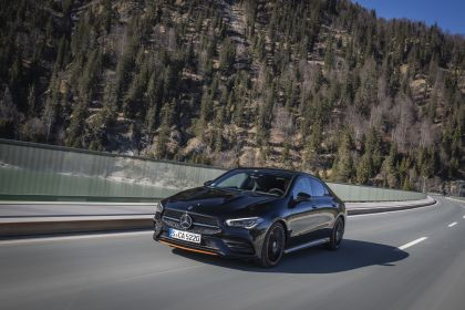 2019 Mercedes-Benz CLA 250 4Matic 8