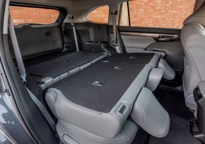 2020 Toyota Highlander Platinum AWD 28