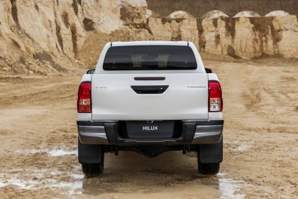 2019 Toyota Hilux special edition 32