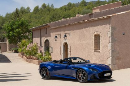 2019 Aston Martin DBS Superleggera Volante 38