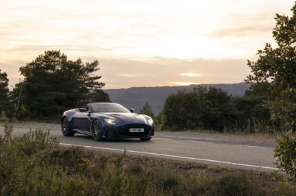 2019 Aston Martin DBS Superleggera Volante 44
